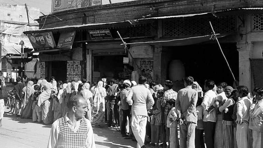 સમાજવાદી ભારતની દિવાળી કેવી હતી એ કલ્પના છે? દિવાળી ઉપરાંતના સમયમાં કેવી પરિસ્થિતિ હતી?