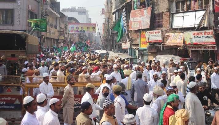 ઇદ-એ-મિલાદની ઉજવણીની ગાઈડલાઈન મુદ્દે રાજ્ય સરકારે સ્પષ્ટતા કરી, જુલુસમાં આટલા લોકો સામેલ થઇ શકશ