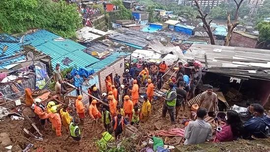 મુંબઈમાં ભારે વરસાદના કારણે ભૂસ્ખલનની અલગ-અલગ ઘટનાઓમાં ૨૦ લોકોના મોત, અનેક ઘાયલ