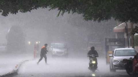 રાજ્યમાં આગામી ચાર દિવસ ભારેથી અતિભારે વરસાદની આગાહી : આ જિલ્લાઓમાં રવિવારે રેડ એલર્ટ