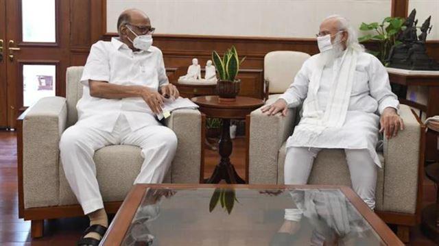 એનસીપી ચીફ શરદ પવાર અને પીએમ મોદી વચ્ચે દિલ્હીમાં મુલાકાત દરમિયાન શું વાતચીત થઇ?